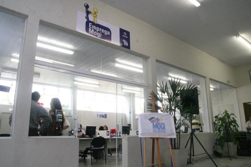 A equipe do Emprega Mogi analisa o perfil dos candidatos e faz o encaminhamento daqueles que preenchem os pré-requisitos solicitados pelos empregadores.