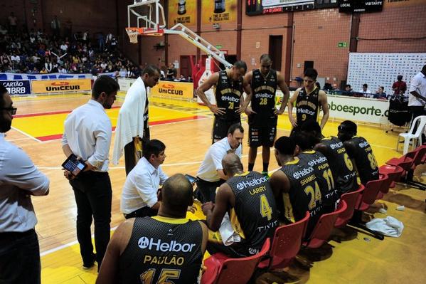 Danilo Padovani e equipe do Mogi. Foto: Brito Júnior/ UniCEUB