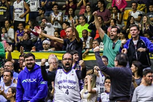 Torcida do Mogi. Foto: Bruno Lorenzo/ LNB
