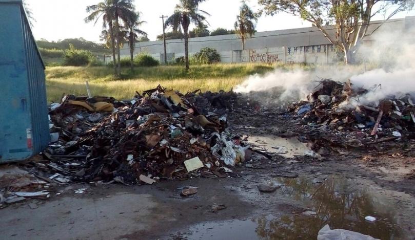 Incêndio no Ecoponto do Parque Olímpico